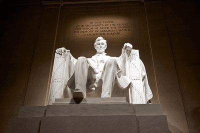 Lincoln Memorial | DC Day Bus Tour